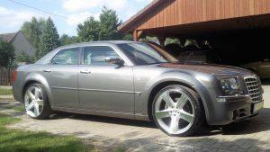 Chrysler-300c-2